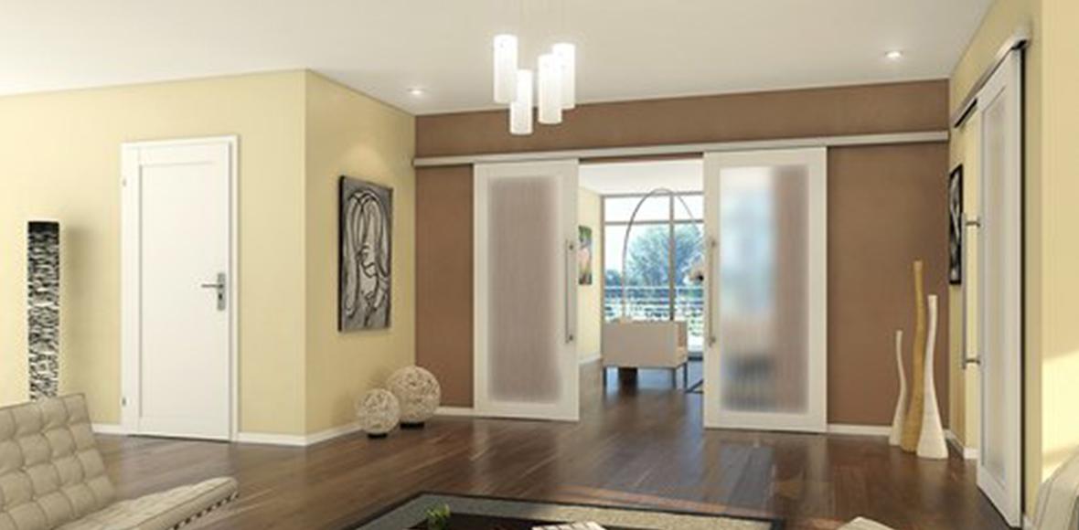 Schiebetür aus Glas in grossem Wohnzimmer