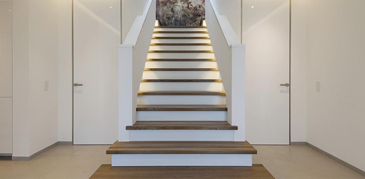 Treppe aus Holz von Holz Heck